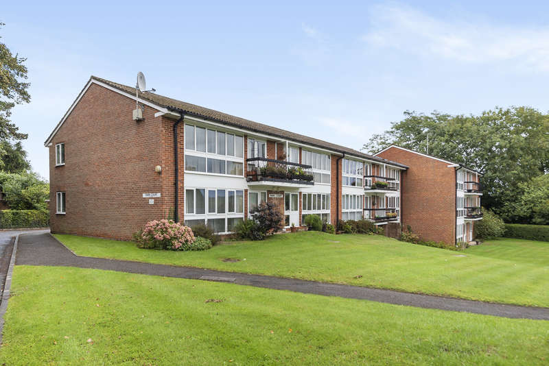 2 Bedrooms Flat for sale in Park Road, Winchester