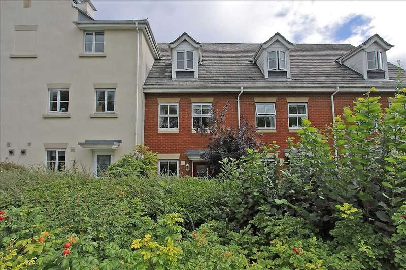 3 Bedrooms Terraced House for sale in Berry Way, Andover