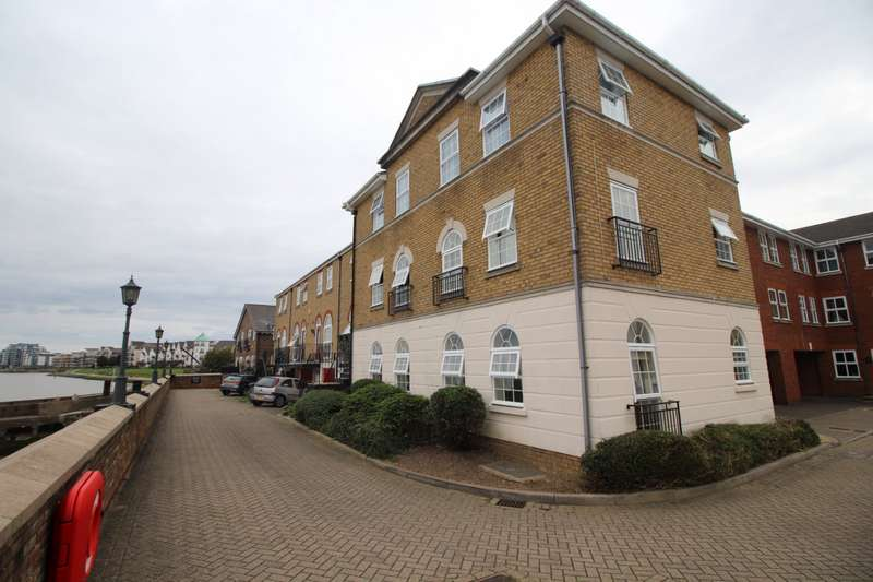 2 Bedrooms Apartment Flat for sale in Frobisher Way, Greenhithe, Kent, DA9