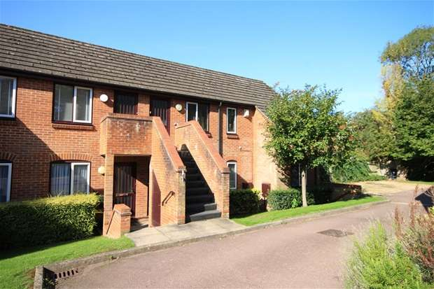 1 Bedroom Flat for sale in Thompsons Close, Harpenden