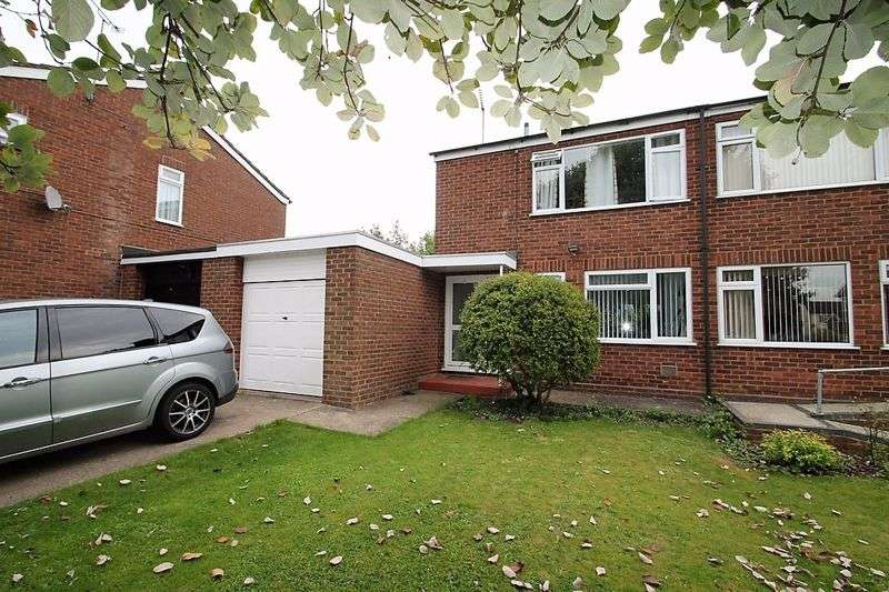 3 Bedrooms Property for sale in Moor End Close, Edlesborough, Buckinghamshire