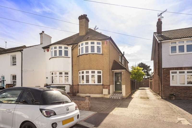 3 Bedrooms Semi Detached House for sale in Upper Paddock Road, Oxhey Village