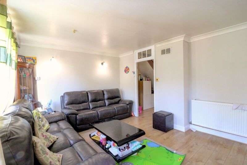 3 Bedrooms Property for sale in Monksgrove, Loughton