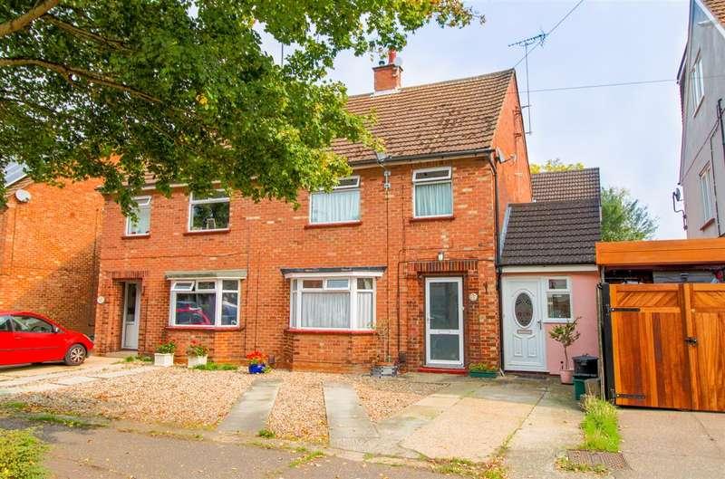 3 Bedrooms Semi Detached House for sale in All Saints Avenue, Prettygate, Colchester CO3