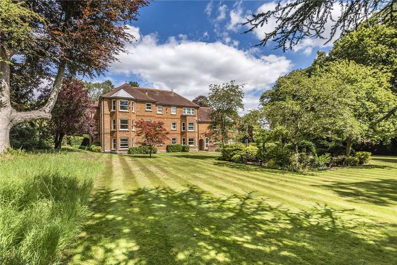 2 Bedrooms Flat for sale in St. Cross Mede, Mead Road, Winchester, Hampshire, SO23