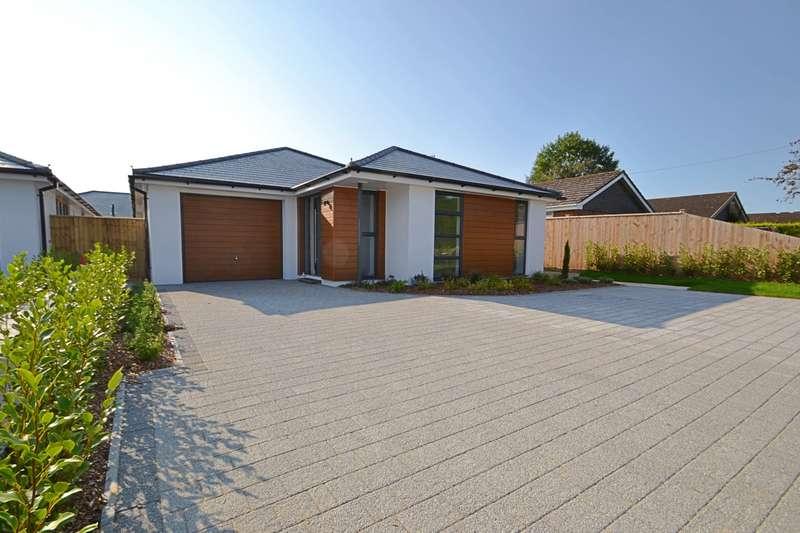2 Bedrooms Bungalow for sale in Alderholt