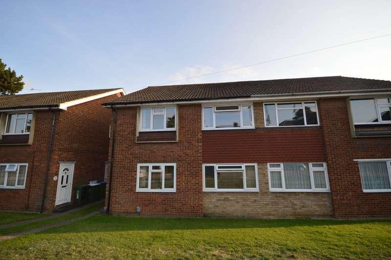 2 Bedrooms Maisonette Flat for sale in Rossland Close, Bexleyheath, DA6