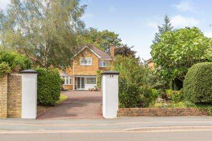 4 Bedrooms Detached House for sale in Stratford Road, Watford, Hertfordshire, .