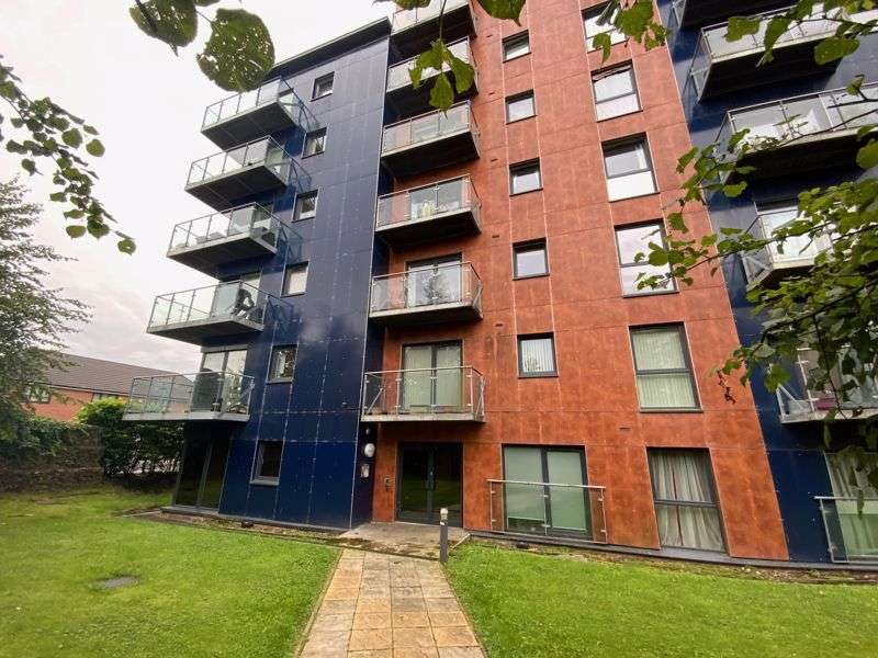2 Bedrooms Property for rent in Camp Street, Salford