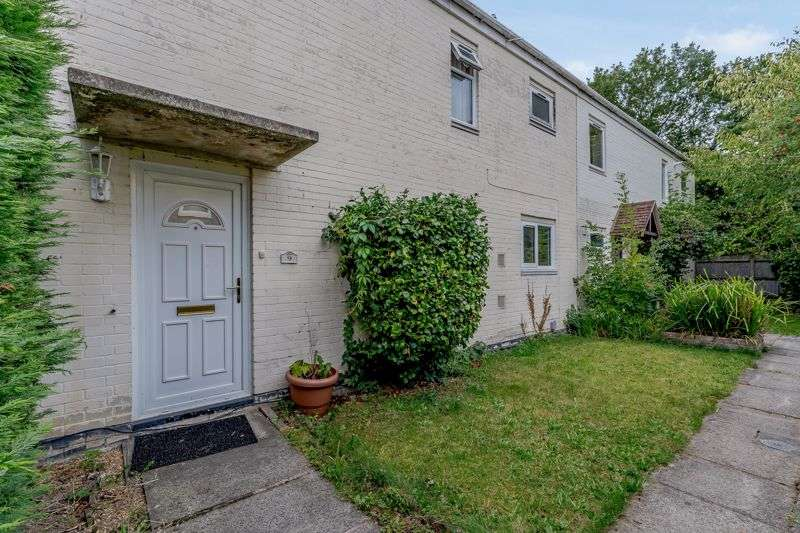 3 Bedrooms Property for sale in Waveney Walk, Crawley, RH10