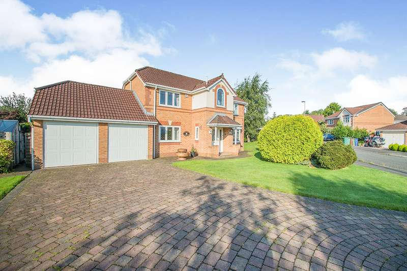 4 Bedrooms Detached House for sale in Greenbank Road, Radcliffe, M26