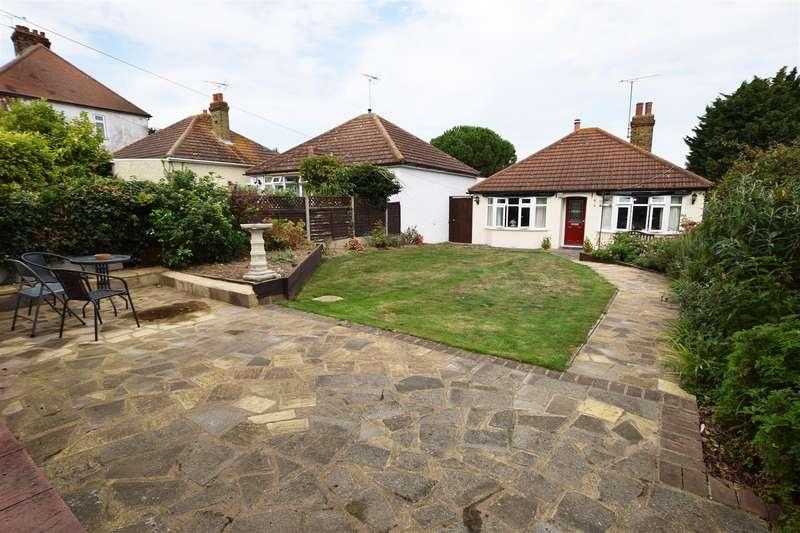 2 Bedrooms Detached Bungalow for sale in Grange Road, Gillingham
