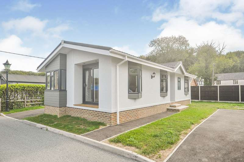 2 Bedrooms Park Home Mobile Home for sale in Ropersole Park, Dover Road, Barham, Canterbury, CT4