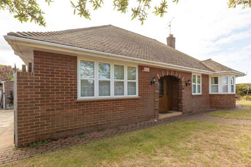 3 Bedrooms Detached Bungalow for sale in 51, Elm Grove, Westgate-On-Sea