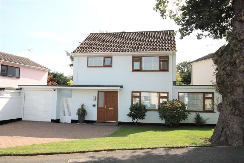 3 Bedrooms Detached House for sale in Coombe Drive, Rowtown, Surrey, KT15