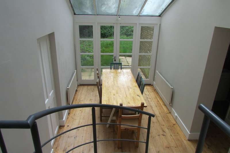 4 Bedrooms Ground Flat for rent in Southcote Road N19