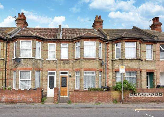 3 Bedrooms Terraced House for sale in St. Osyth Road, Clacton-on-Sea, Essex