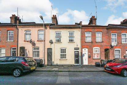 3 Bedrooms Terraced House for sale in May Street, Luton, Bedfordshire