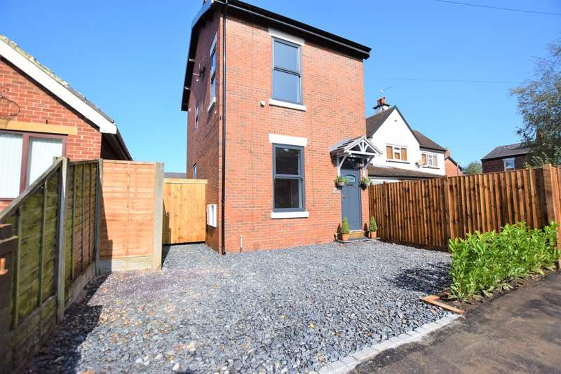 3 Bedrooms Detached House for sale in Garden Walk, Ashton-on-ribble