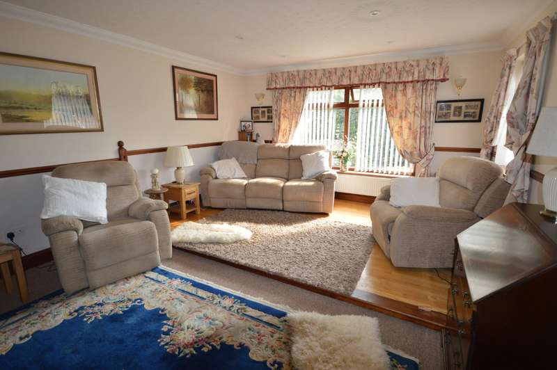 2 Bedrooms Detached Bungalow for sale in Queens Road, Ash, Canterbury, Kent, CT3