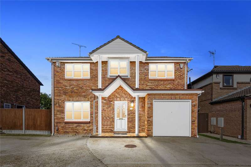 4 Bedrooms Detached House for sale in Ilmington Drive, Basildon, SS13