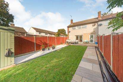 3 Bedrooms End Of Terrace House for sale in Bronte Paths, Stevenage, Hertfordshire, England