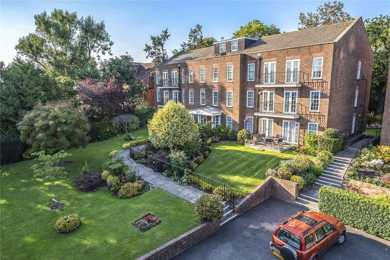3 Bedrooms Apartment Flat for sale in Ashurst Close, Northwood, Middlesex, HA6