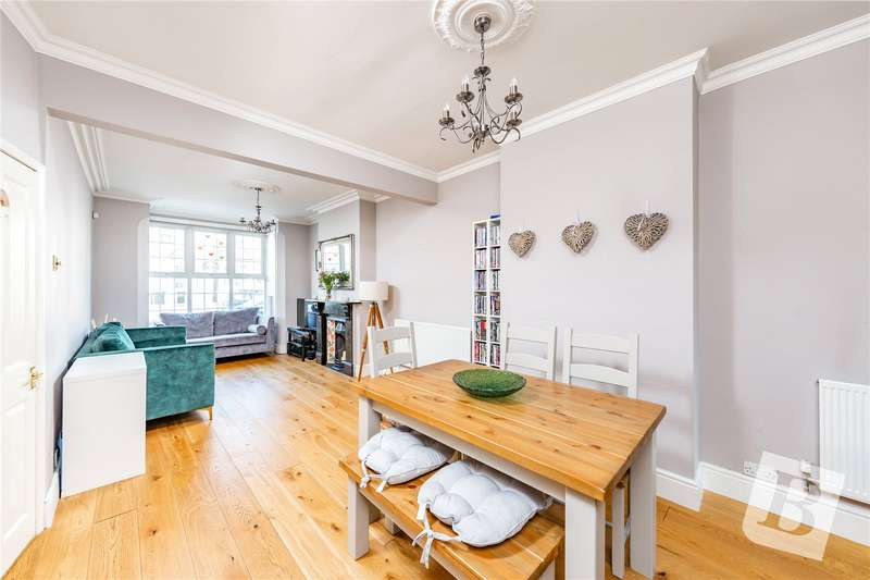 4 Bedrooms Terraced House for sale in Cross Lane East, Gravesend, Kent, DA12