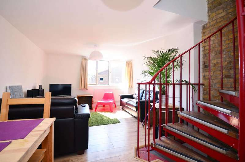 4 Bedrooms House for rent in The Green, Stratford, E15