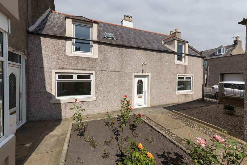 6 Bedrooms Semi Detached House for sale in Gellymill Street, Macduff, Aberdeenshire, AB44 1TN