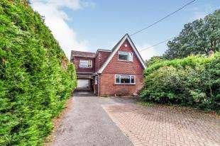 4 Bedrooms Detached House for sale in Wigmore Road, Rainham, Gillingham, Kent