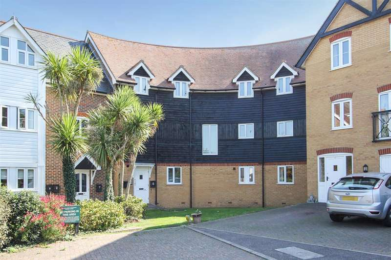 2 Bedrooms Penthouse Flat for sale in Bluefield Mews, Whitstable