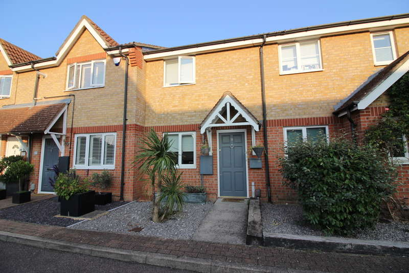 2 Bedrooms Terraced House for sale in Davenport, Church Langley, Harlow, CM17