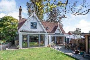 3 Bedrooms Detached House for sale in Mercers, Hawkhurst, Cranbrook, Kent