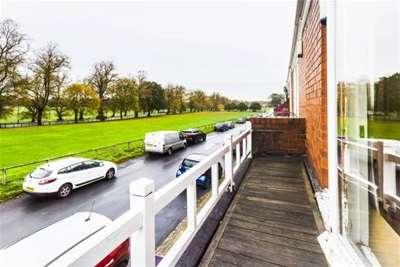 3 Bedrooms Terraced House for rent in Knavesmire Crescent, York