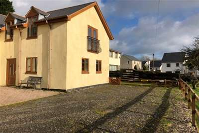 2 Bedrooms Semi Detached House for rent in Begelly, Kilgetty