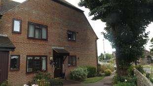 2 Bedrooms Flat for sale in Gateway Lodge, Felpham Road, Bognor Regis, West Sussex
