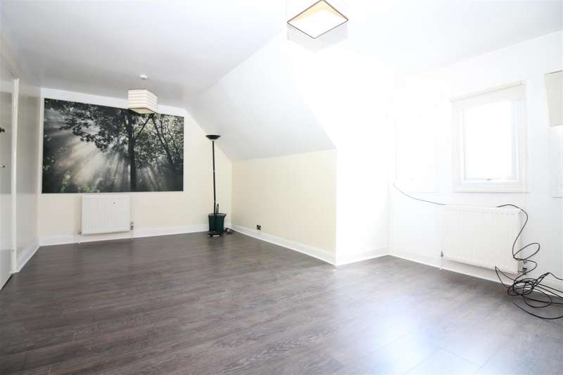 4 Bedrooms Flat for rent in Woodlands Park Road, London
