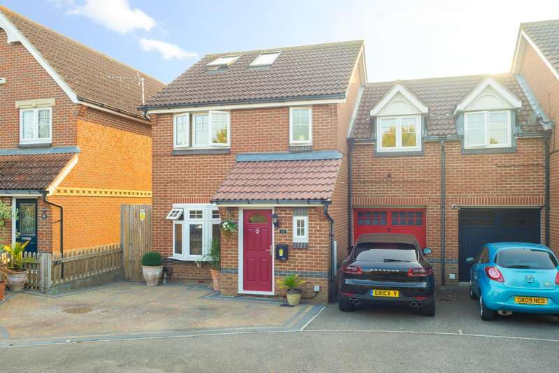 4 Bedrooms Semi Detached House for sale in Britannia Lane, Knights Park, Ashford, TN23