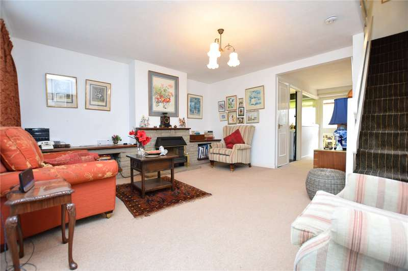 3 Bedrooms Terraced House for sale in Shepherds Close, Chadwell Heath, RM6