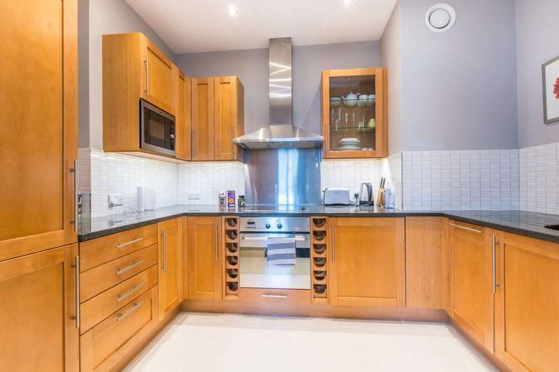 2 Bedrooms Flat for rent in Spring Gardens, Covent Garden, SW1A