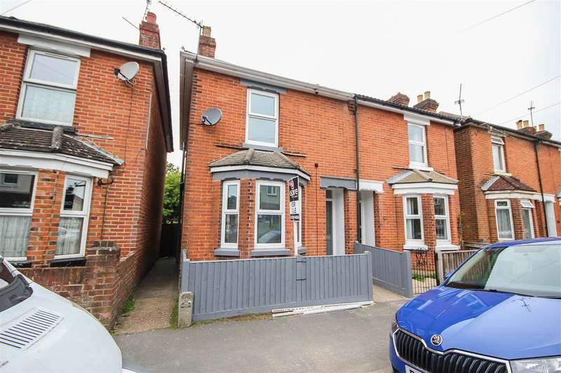 3 Bedrooms Semi Detached House for sale in Percy Road, Southampton