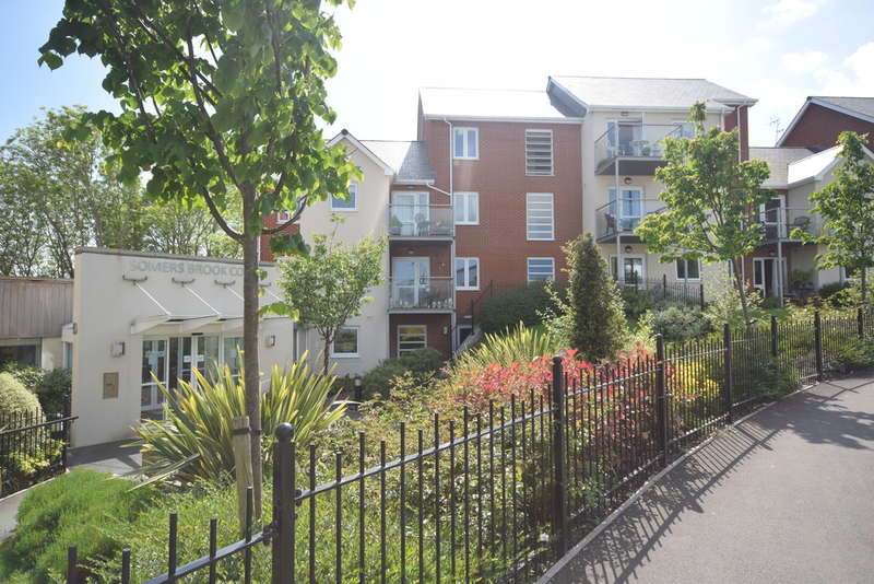 2 Bedrooms Ground Flat for sale in Foxes Road, Newport