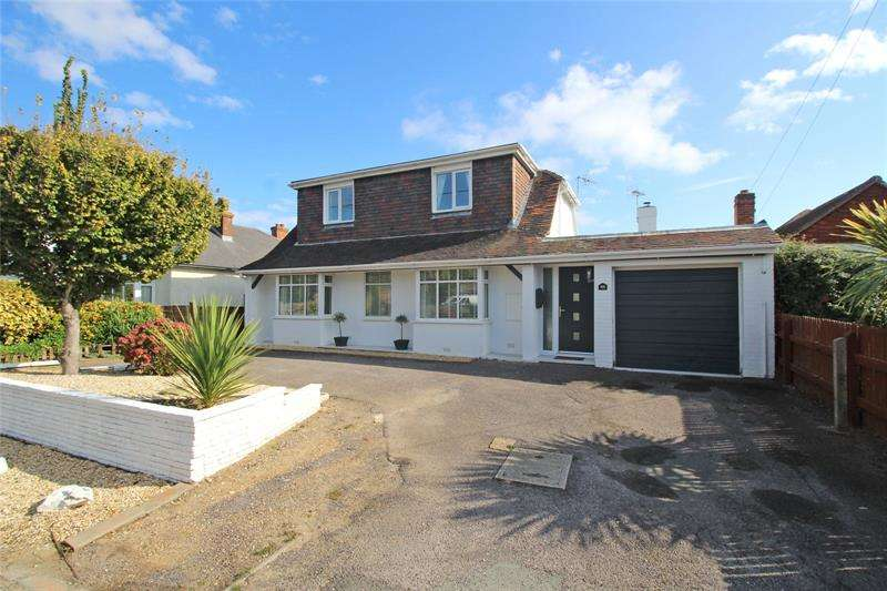 4 Bedrooms Bungalow for sale in Barton Lane, Barton On Sea, New Milton, Hampshire, BH25