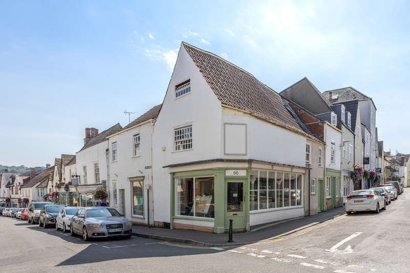 3 Bedrooms Town House for sale in Market Street, Wotton-under-Edge