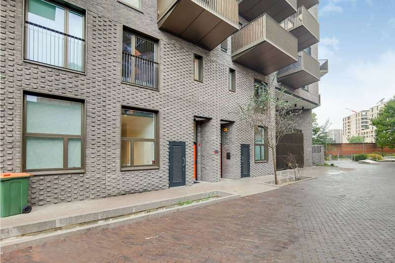 3 Bedrooms House for sale in Maud Street, Royal Docks, E16