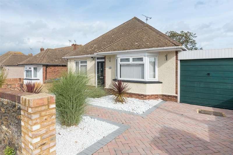 3 Bedrooms Detached Bungalow for sale in Essex Gardens, Birchington