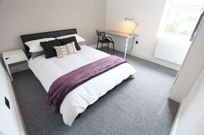 4 Bedrooms Terraced House for rent in Sheil Road , L6 3AB,
