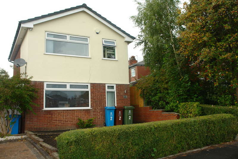 3 Bedrooms Detached House for sale in Firwood Park, Chadderton, Oldham
