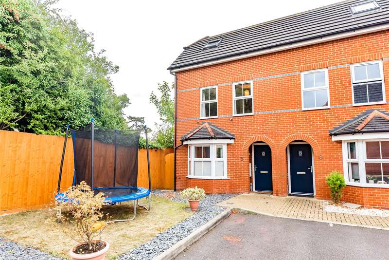 4 Bedrooms Terraced House for sale in Dashwood Close, Camberley, Surrey, GU15